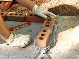 Основание кирпичного мангала
