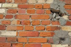 Усиление слабых участков стены путем замены кладки