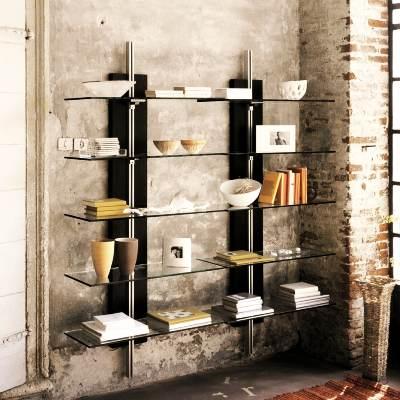 Очень часто на кирпичные стены крепят настенные шкафы.
