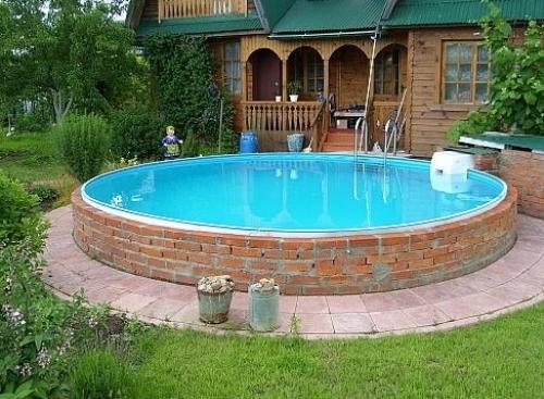 Кирпичный бассейн