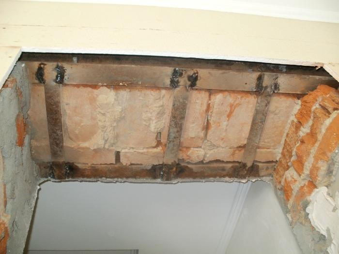усиление отверстий в кирпичной стене