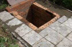 Перекрытие выгребной ямы