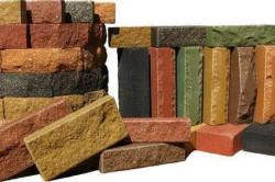 Различные пигментные добавки, примешанные к глине, дают самые разные оттенки.