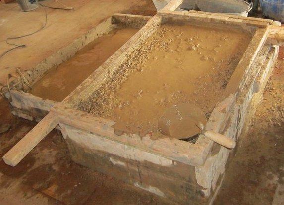 Замачивание очищенной глины в воде