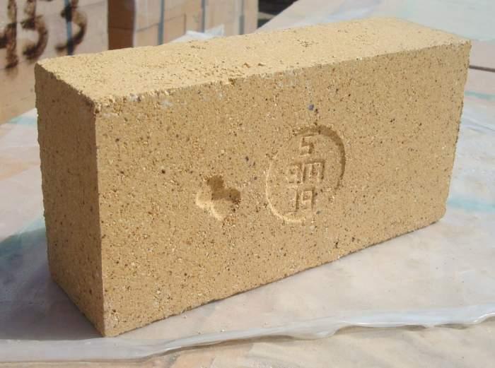Как положить кирпич на шамотную глину
