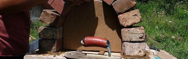 Iarrtas de cruinn brickwork